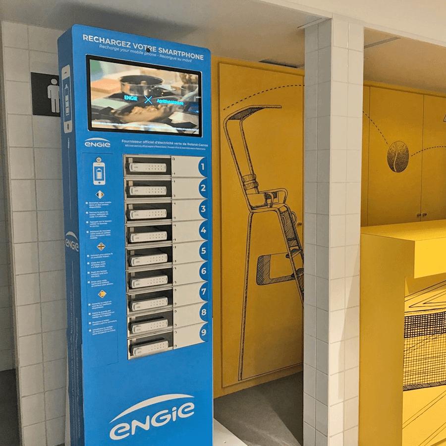 Yupcharge-Roland Garros-cargador móvil taquilla TwistDS3