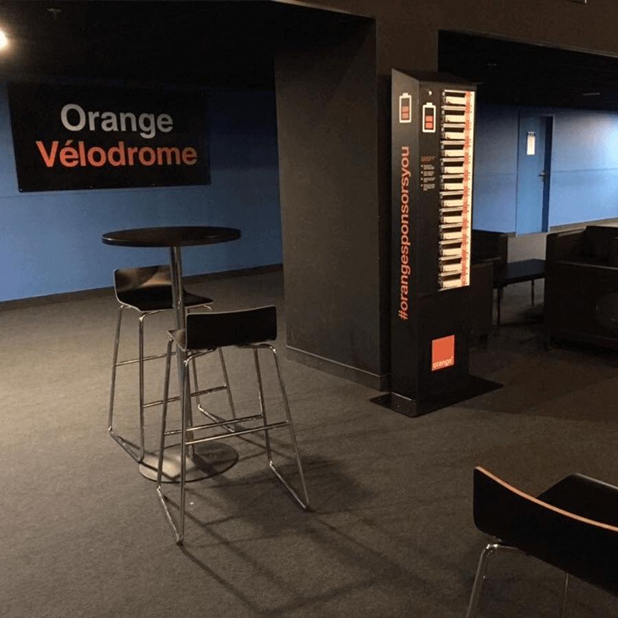 Yupcharge-Velodrome Orange-Cargador móvil Twist3