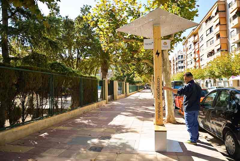 Yupcharge Cargador ecológico para móviles Soleo Hidráulica Ayuntamiento Altafulla