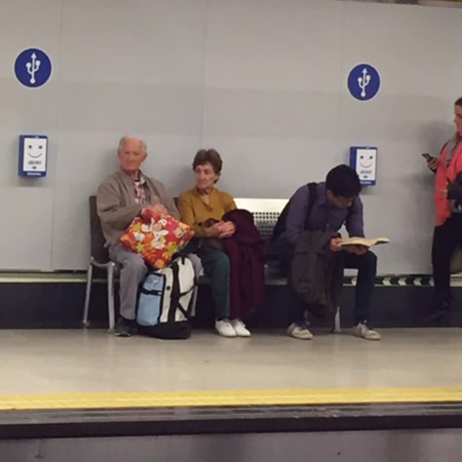 Cargadores para móviles SmartFurniture-Metro-Madrid-Yupcharge-5