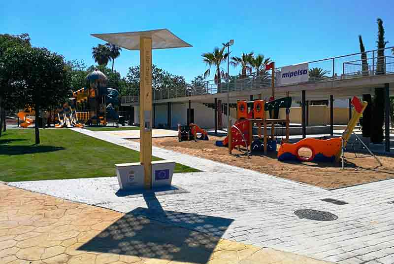Yupcharge estación de carga para móviles Soleo placas solares Wifi4G - Ayuntamiento Andújar