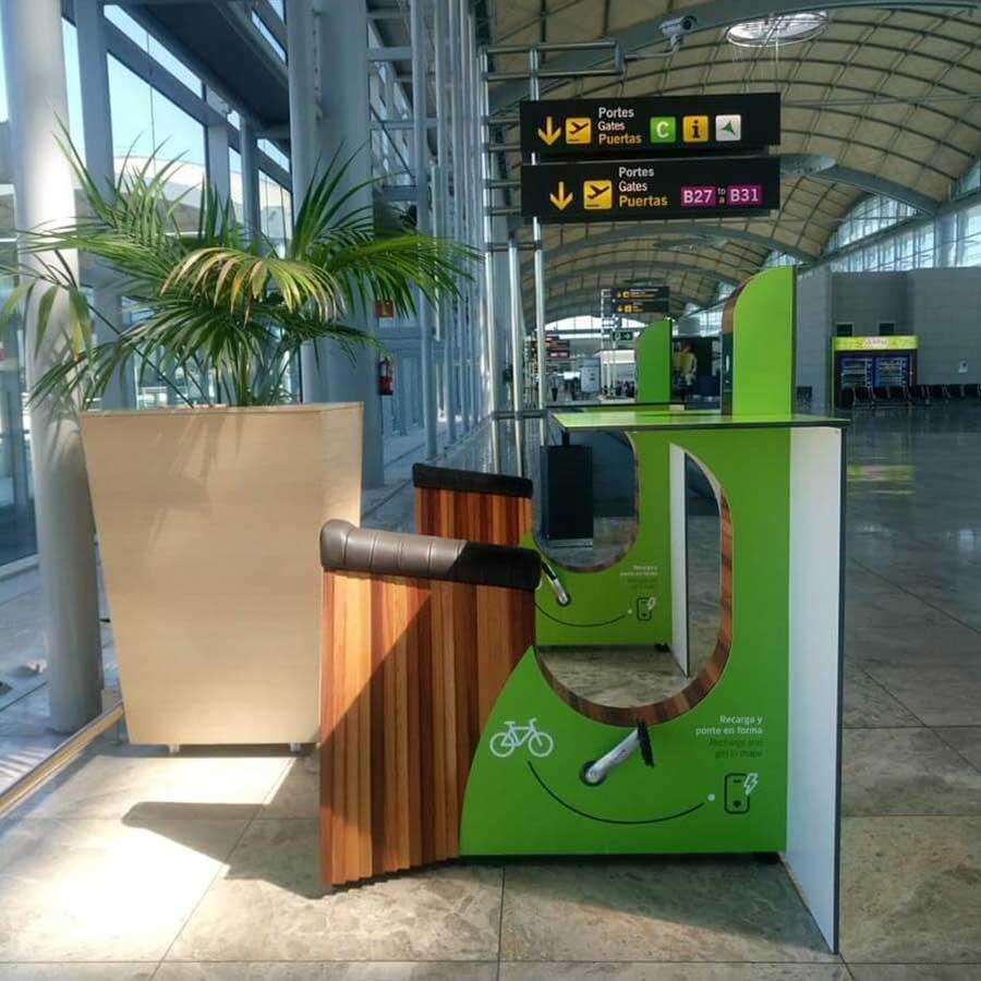 Yupcharge SmartFurniture Yupbikes Kiosk Aeropuerto Aena Alicante