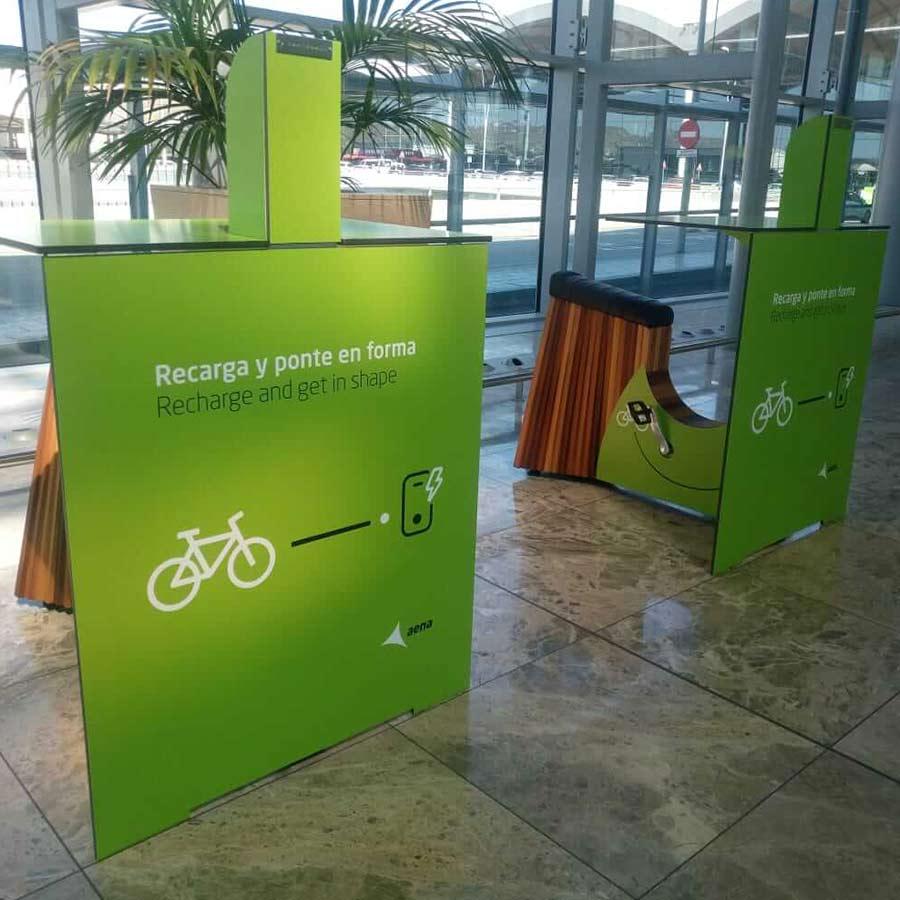 Yupcharge Mobiliario Inteligente Yupbike Kiosk Aeropuerto Aena Alicante