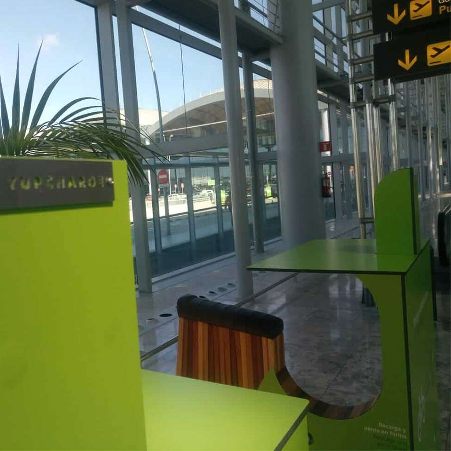 Yupcharge SmartFurniture YupBike Kiosk Alicante Aeropuerto Aena