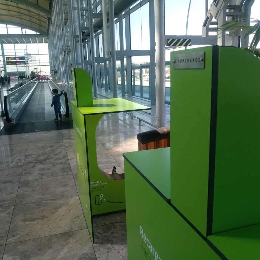 Yupcharge Mobiliario Inteligente YupBikes Kiosk Aeropuerto Aena Alicante