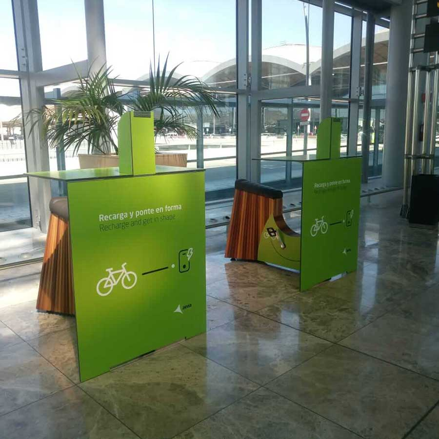 Yupcharge SmartFurniture YupBike Kiosk Aena Aeropuerto Alicante
