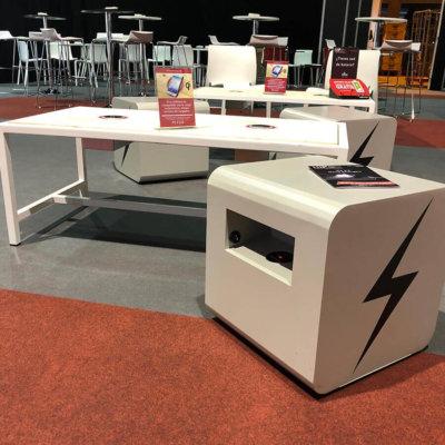 Yupcharge-Cargador-Smart-Furniture-Disco-Feria-Hip2018
